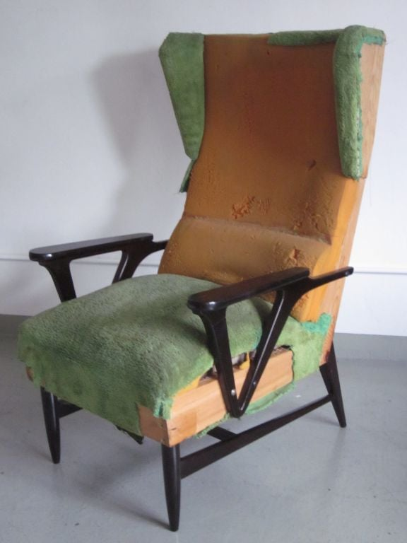 Pair of Italian Mid-Century Modern Wingback Lounge Chairs Attr. Carlo Mollino For Sale 2