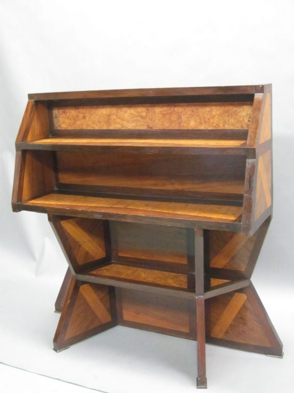 Important Italian Futurist Etagere Attributed to Giacomo Balla 5