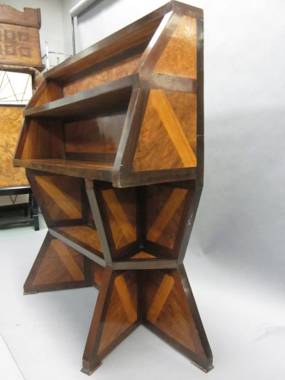 Important Italian Futurist Etagere Attributed to Giacomo Balla 7