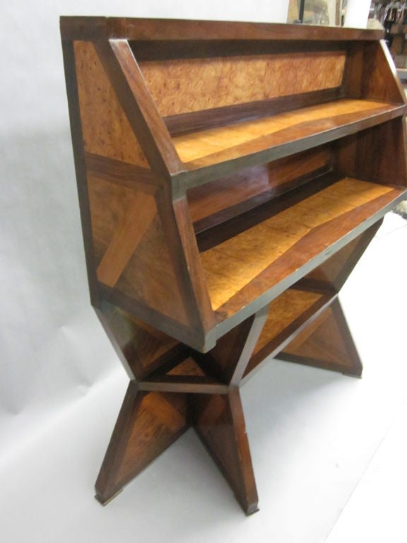Important Italian Futurist Etagere Attributed to Giacomo Balla 8