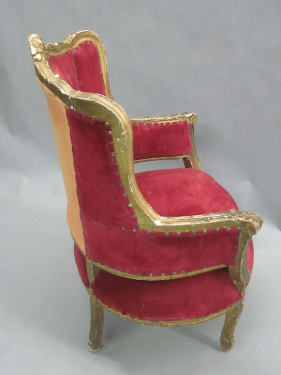 Pair of Louis XIV Style Italian Gilt Wood Wing Back Lounge Chairs, 1930 For Sale 1