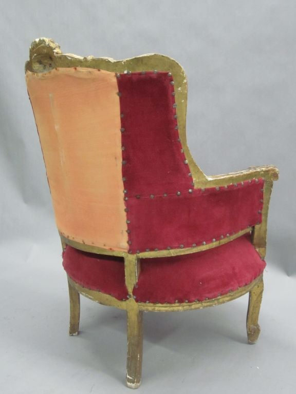 Pair of Louis XIV Style Italian Gilt Wood Wing Back Lounge Chairs, 1930 For Sale 2
