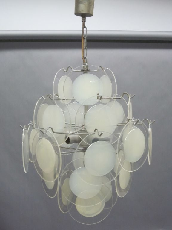 Italian Mid-Century Modern Disc Chandelier by Vistosi In Good Condition For Sale In New York, NY