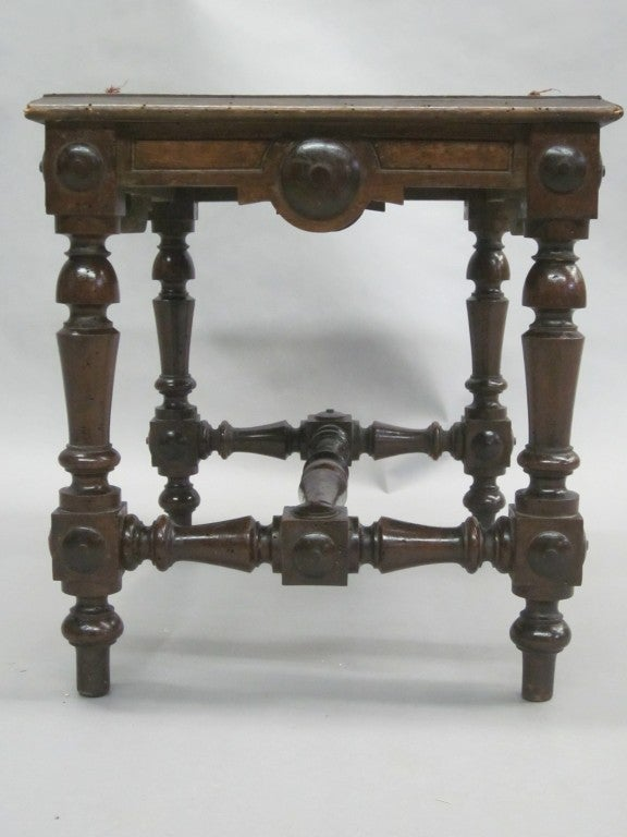 Pair of Italian Hand-Carved Benches or Stools In Good Condition For Sale In New York, NY