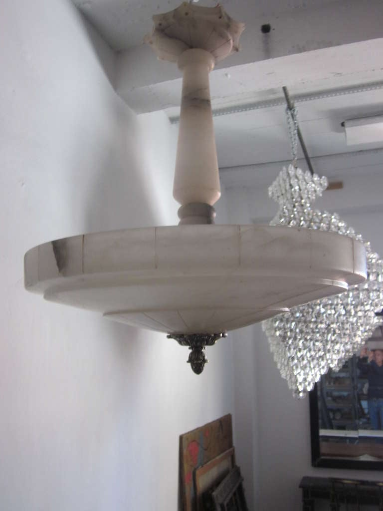 Italian Mid-Century Modern Neoclassical Alabaster Pendant or Chandelier In Good Condition For Sale In New York, NY