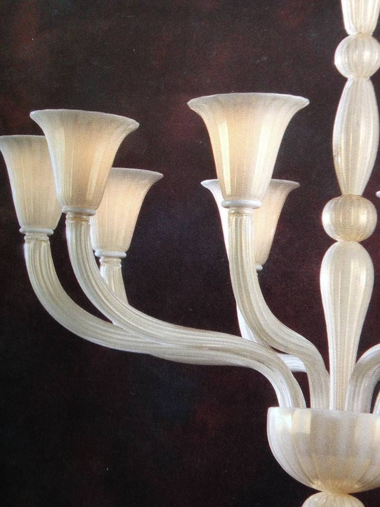 2 Italian Modern Neoclassical Hand-blown White & Gold Murano Glass Chandeliers In Excellent Condition For Sale In New York, NY