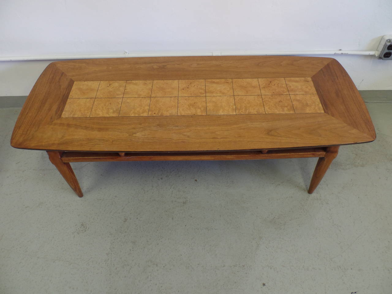 Cantilevered and Inlaid Italian Cocktail Table In Good Condition For Sale In New York, NY
