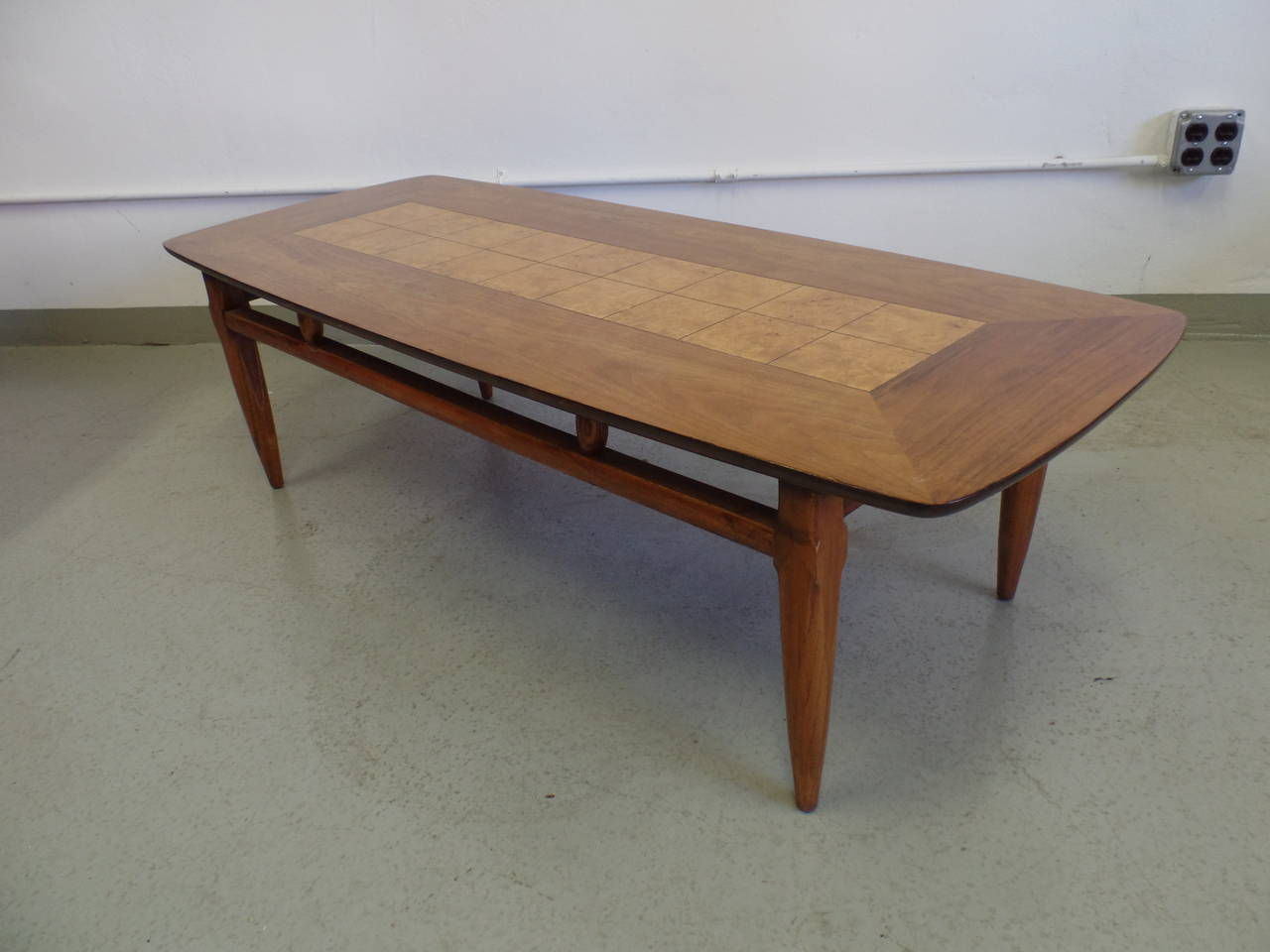 Mid-20th Century Cantilevered and Inlaid Italian Cocktail Table For Sale