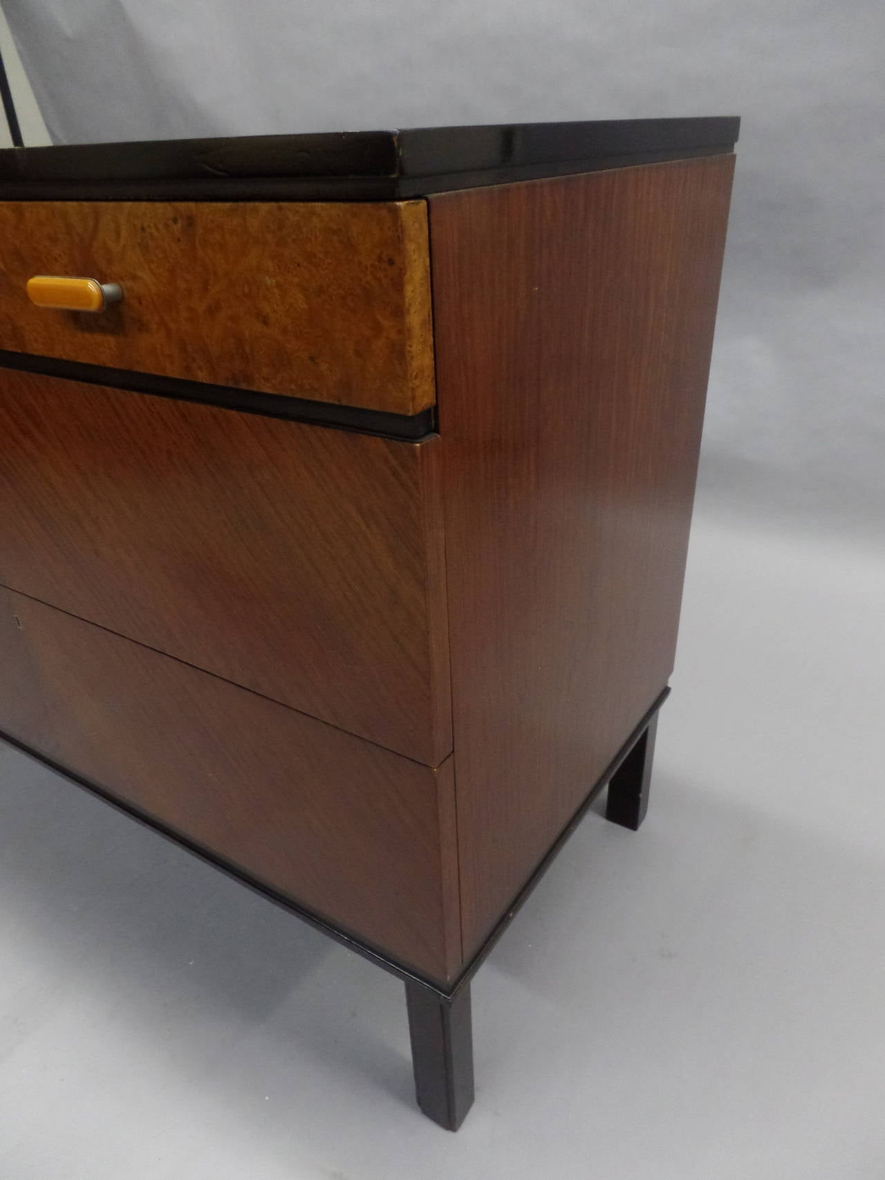 Swedish Mid-Century Modern Chest of Drawers / Commode by Axel Einar Hjort, 1930 6