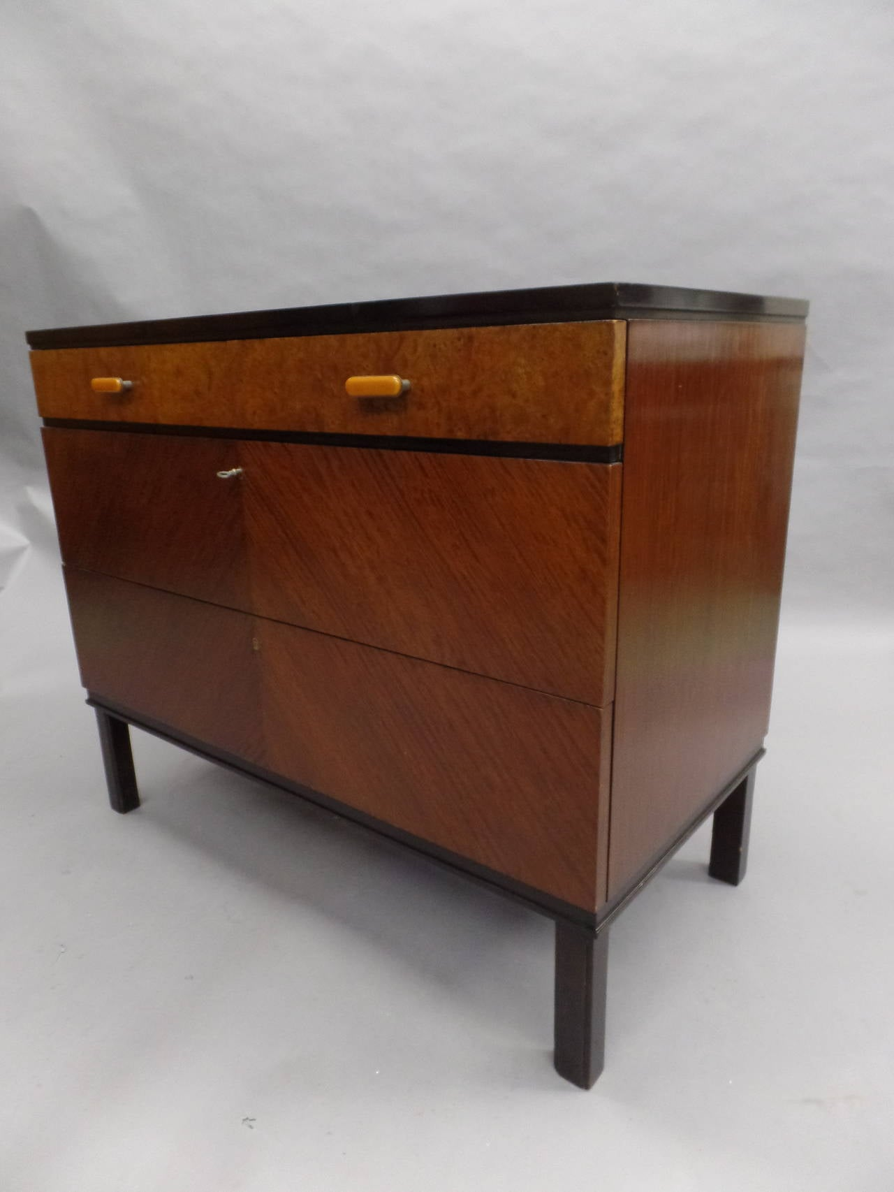 Swedish Mid-Century Modern Chest of Drawers / Commode by Axel Einar Hjort, 1930 4