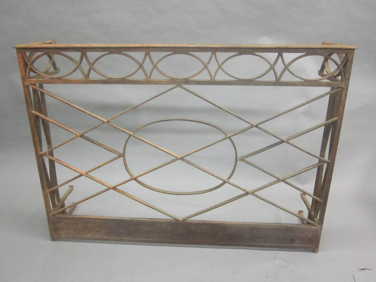 French Modern Neoclassical Console in Hand-Hammered Iron, 1860-1880 In Good Condition For Sale In New York, NY