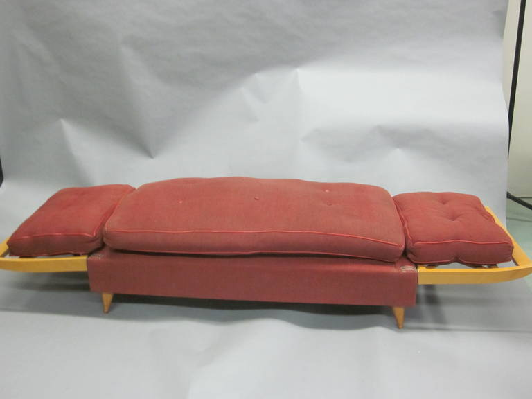 French Mid-Century Modern Neoclassical Sofa or Day Bed Attributed Jean Royère For Sale 3