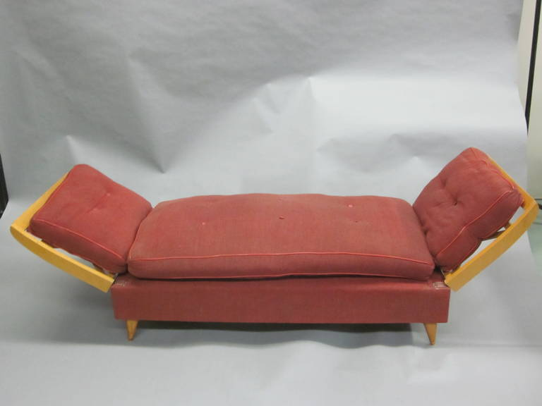 French Mid-Century Modern Neoclassical Sofa or Day Bed Attributed Jean Royère For Sale 2