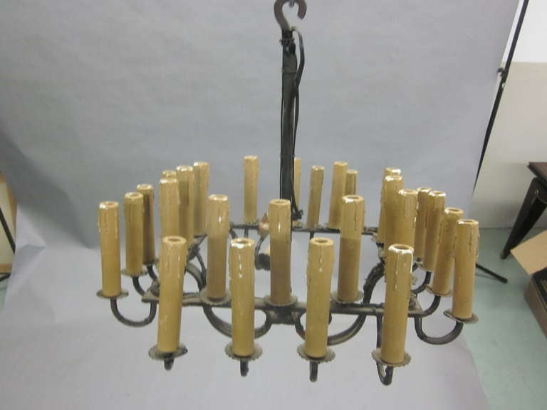 French Mid-Century Hand Wrought Iron Chandelier with 28 lights, 1940 In Good Condition For Sale In New York, NY