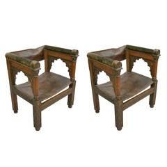 Vier Franco-Islamische Lehnstühle aus Geschnitztem Holz und Leder
