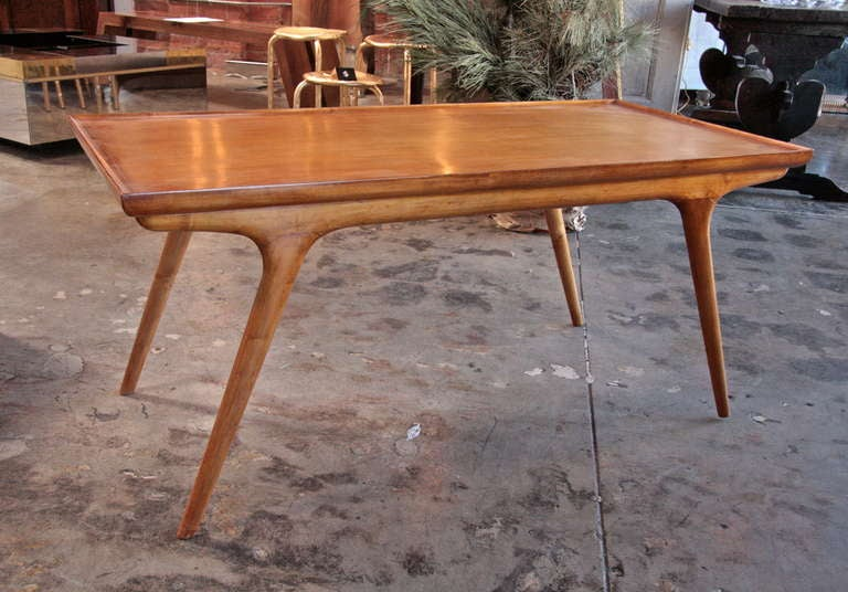 Italian 50s Paolo Buffa Wooden Coffee Table In Good Condition For Sale In Los Angeles, CA
