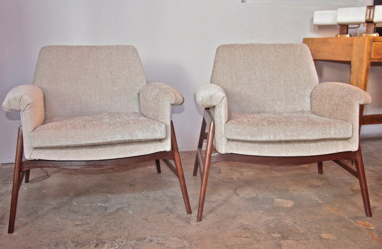 Italian 50 39 s gianfranco frattini armchairs at 1stdibs for Funky armchairs