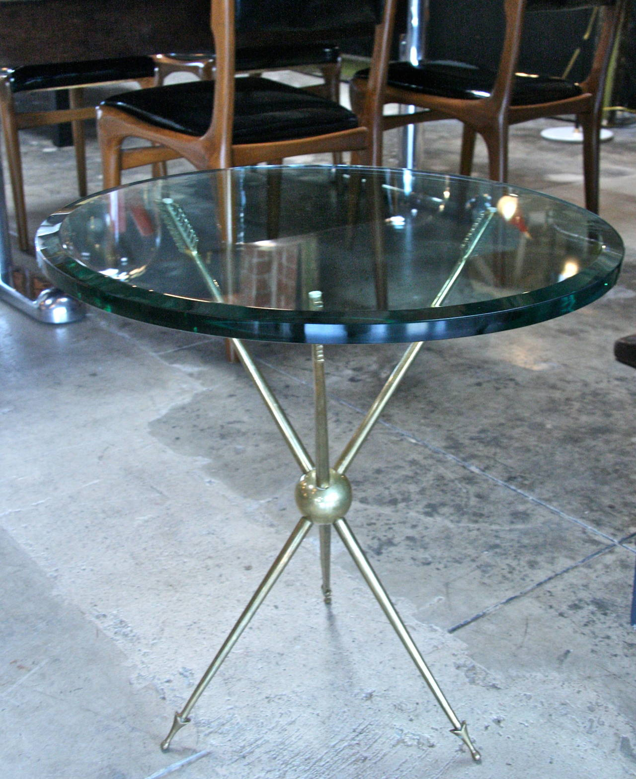 Italian 1960s Brass Arrow Base End Table With Glass Top At