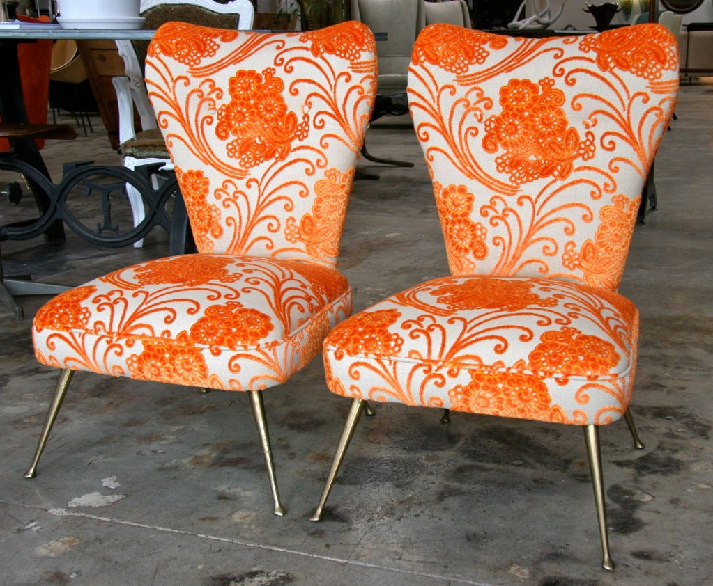 Here are two more pieces to the matching sofa and armchairs. A happy family that we can either split up or sell it all as a matching set...