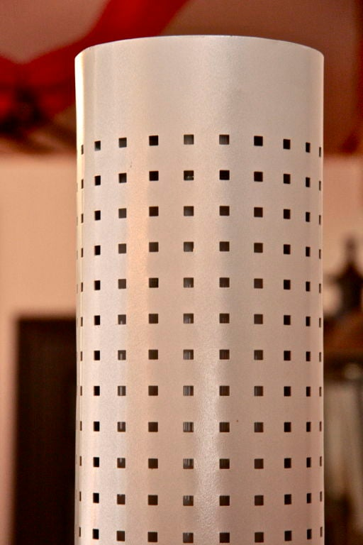Chicago Tribune Floor Lamp by Matteo Thun, Italian, 1980s In Excellent Condition For Sale In Los Angeles, CA