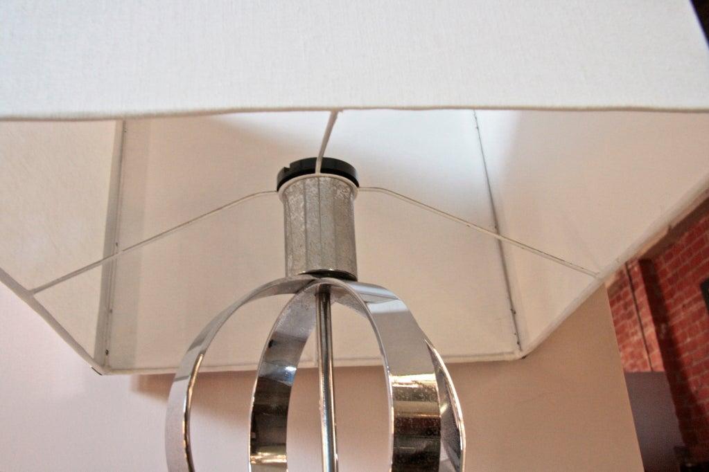 Italian 70's Steel Circular Ring Table Lamp For Sale 1