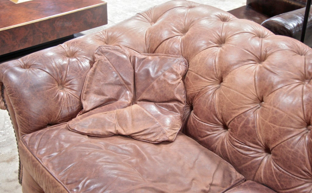 Italian 60 S Leather Chesterfield Sofa In Good Condition For Los Angeles