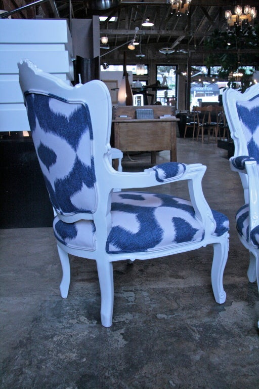 20th Century Italian White Lacquered Armchairs For Sale