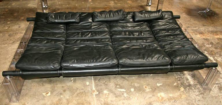 """Vittorio Mazzucconi """"Positiv"""" Plexi and Leather Sofa For Sale 5"""