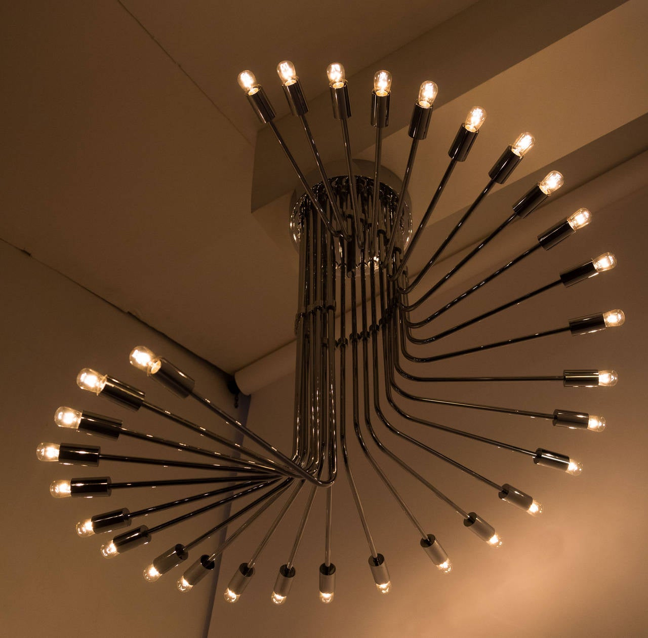 Late 20th Century Chrome Spiral Chandelier by Reggiani For Sale