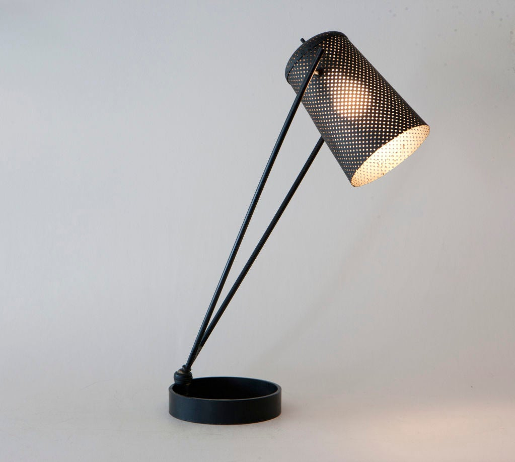 Multiple position table lamp