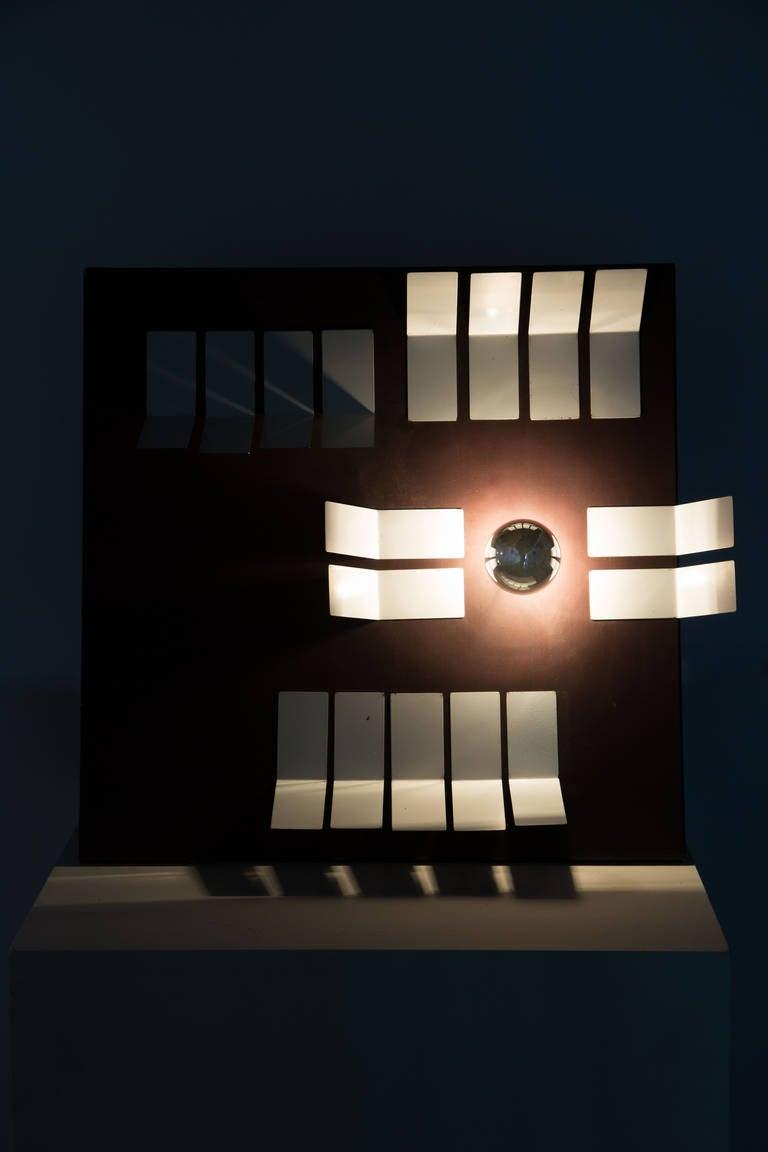 Kalamo table lamp designed by Gianni Villa for Valenti in Italy, 1972. Original cord. Takes one E27 100w maximum bulb.