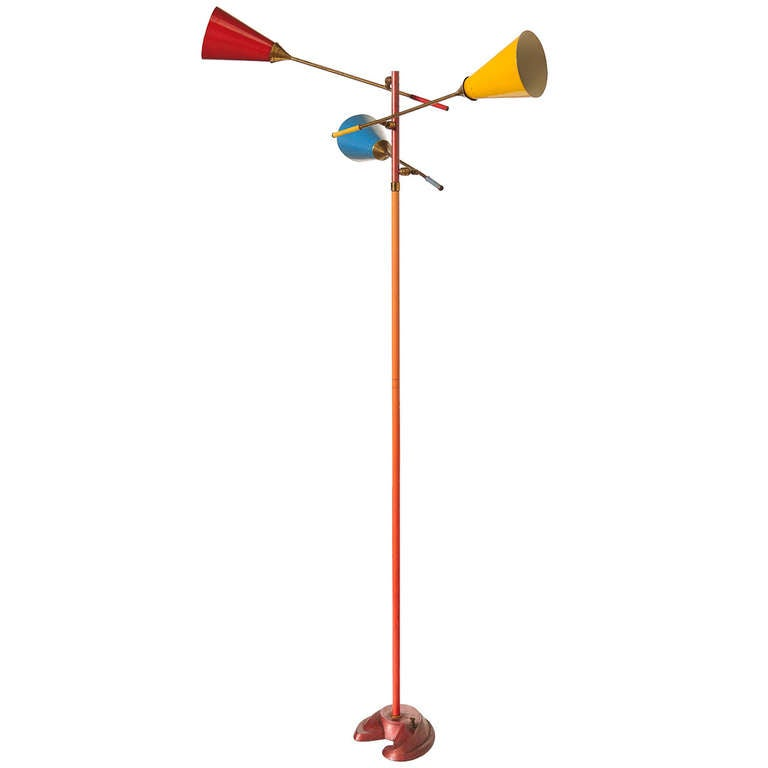 Stunning floor lamp by Gino Sarfatti, published in Wright Auction catalogue