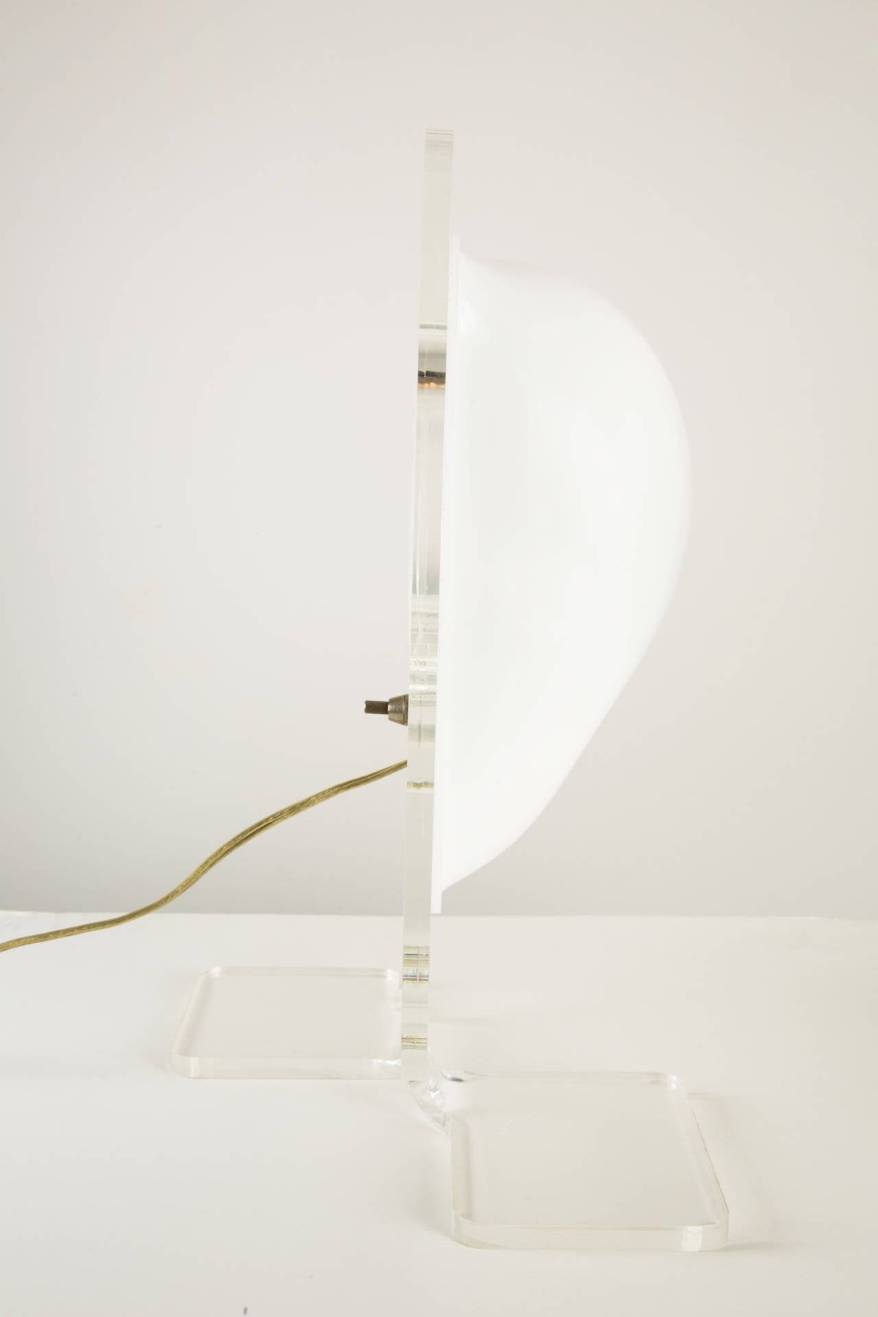 Pierre Cardin Table Lamp In Excellent Condition For Sale In Los Angeles, CA