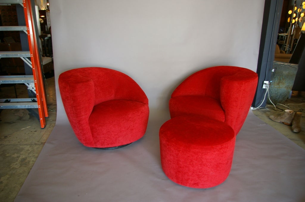 Charming Vladimir Kagan Pair Of Nautilus Chair With Ottoman 2