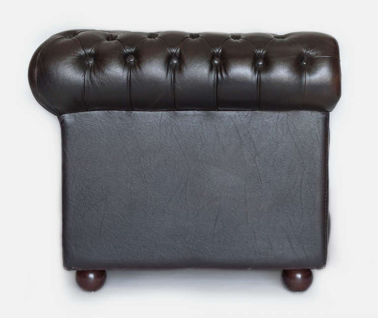 Chesterfield Sofa In Excellent Condition For Sale In Los Angeles, CA