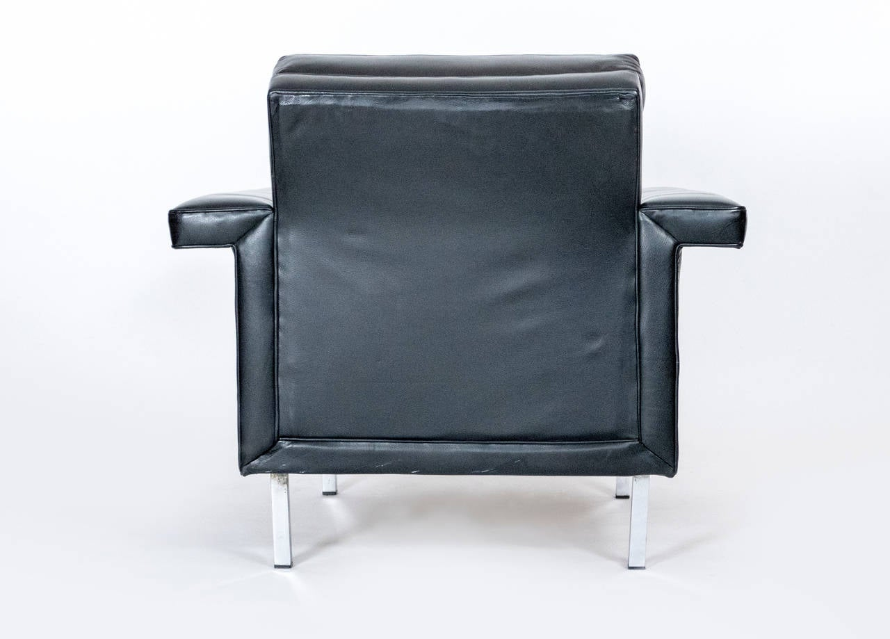 French Quilted Leather Armchairs In Good Condition For Sale In Los Angeles, CA