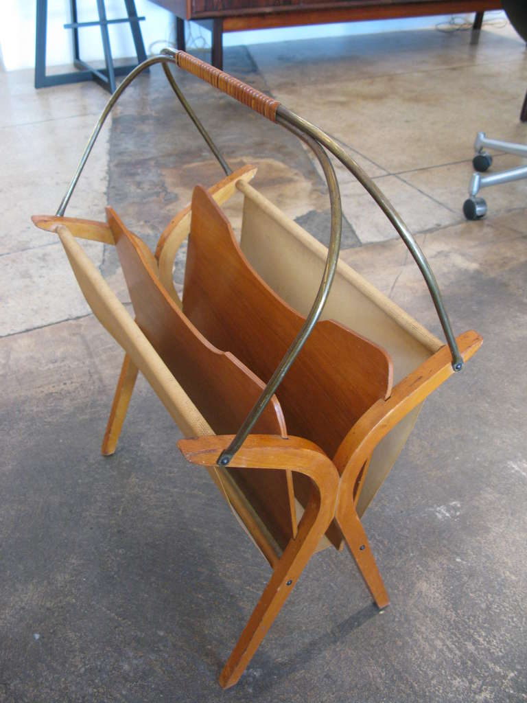 Vintage wood and brass magazine rack at 1stdibs for Fine woodworking magazine discount