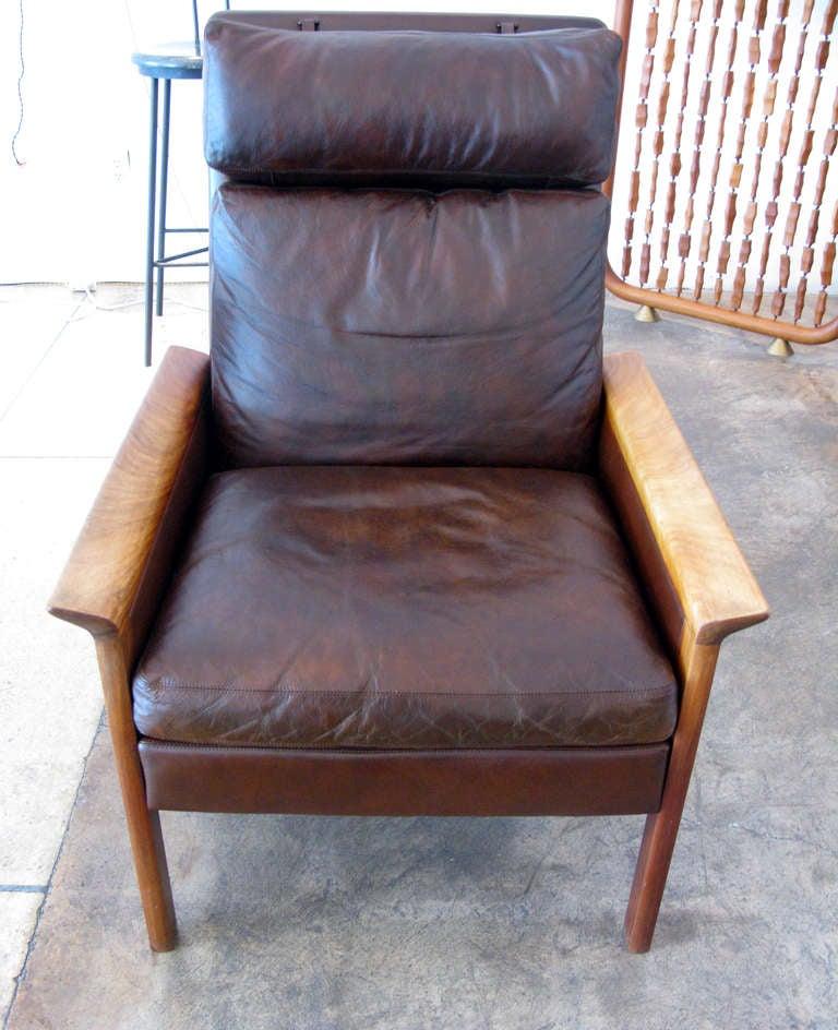 Single hans olsen armchair w ottoman at 1stdibs for Single armchairs