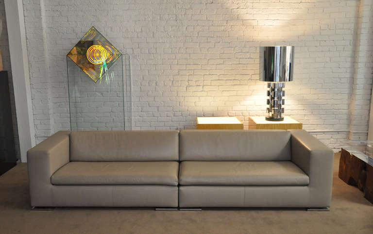 minotti italian leather moore sofa at 1stdibs. Black Bedroom Furniture Sets. Home Design Ideas