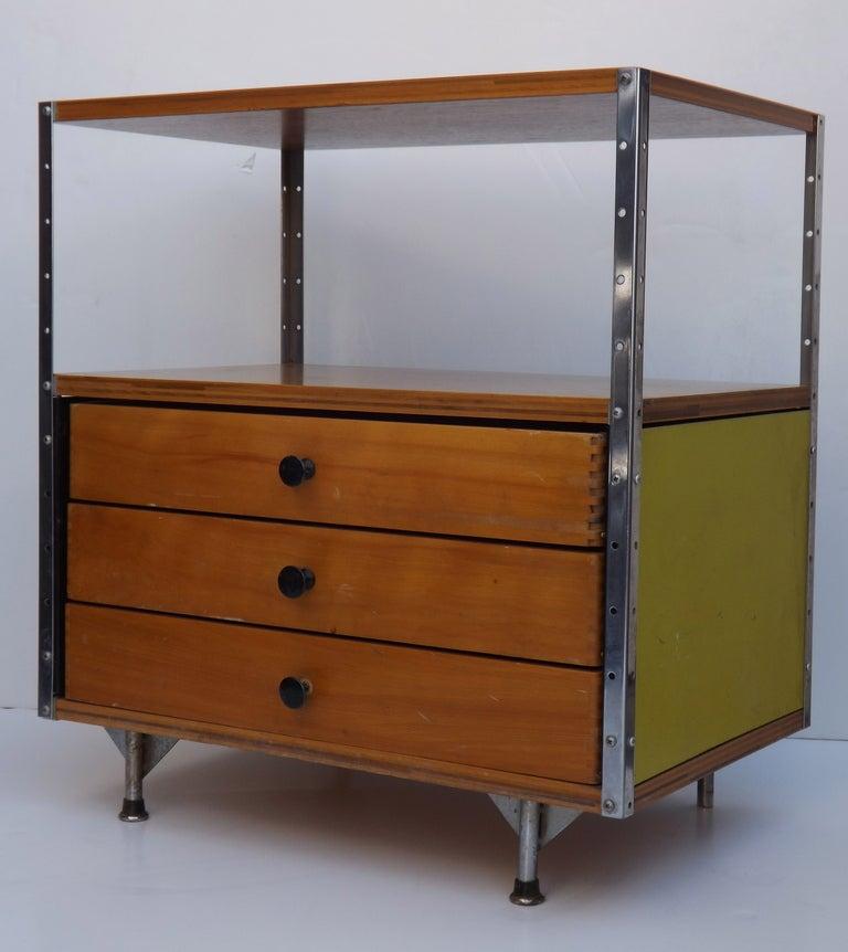 Mid-Century Modern ESU 100 by Charles and Ray Eames For Sale
