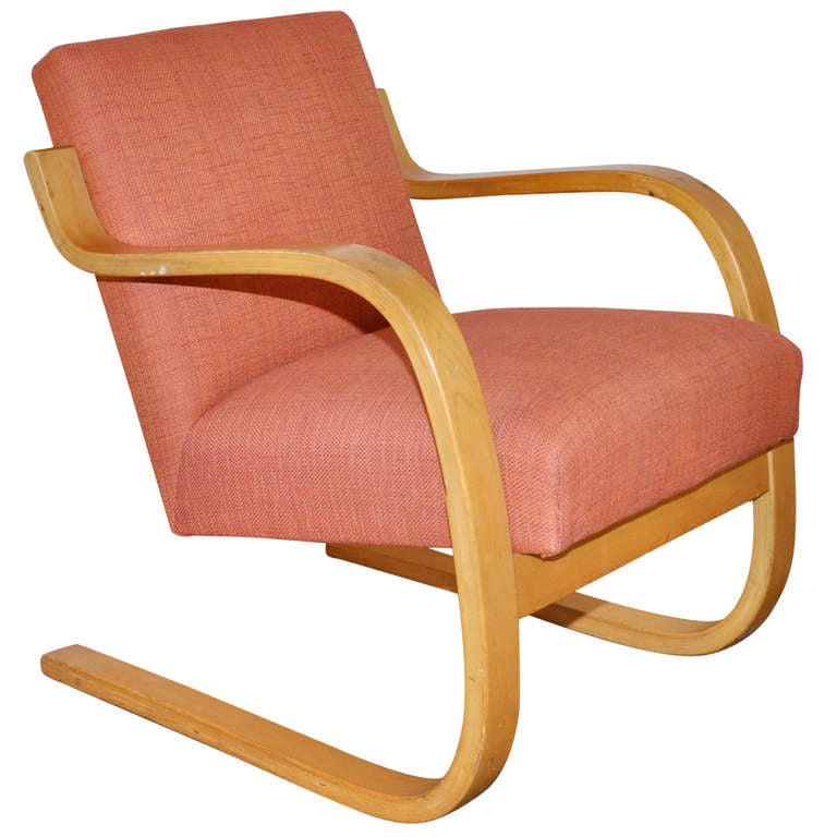 Alvar aalto early low back lounge chair at 1stdibs for Chaise alvar aalto