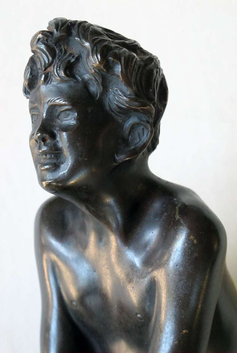 An Italian Grand Tour Bronze Figure of a Young Male Athlete; Signed 'Gerente' For Sale 4
