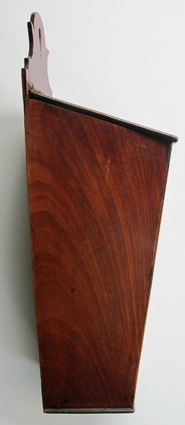 A Charming English Late Regency Walnut Cutlery Box In Good Condition For Sale In San Francisco, CA