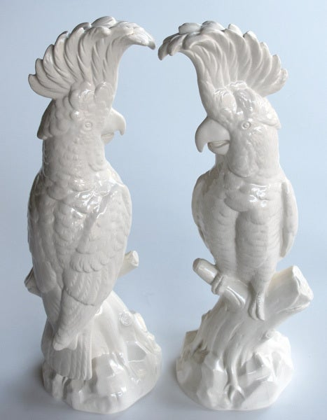 A Striking Pair of English Minton Porcelain Cockatoo Figurines 2