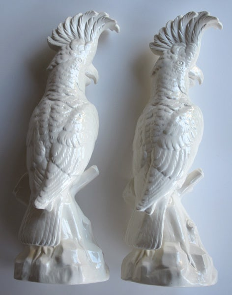 A Striking Pair of English Minton Porcelain Cockatoo Figurines 3