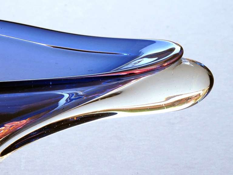 Impressive Seguso Murano Elliptical-Form Glass Bowl in Hues of Blue & Aubergine In Excellent Condition For Sale In San Francisco, CA