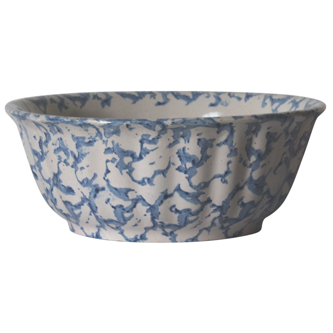 19th Century Large Sponge Ware Serving Bowl