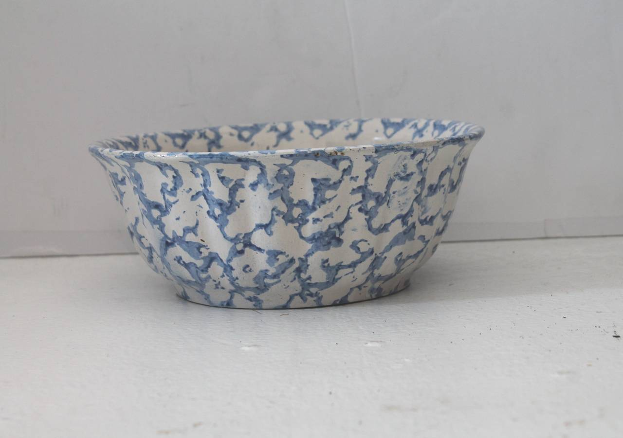 Folk Art 19th Century Sponge Ware Pottery Serving Bowl For Sale