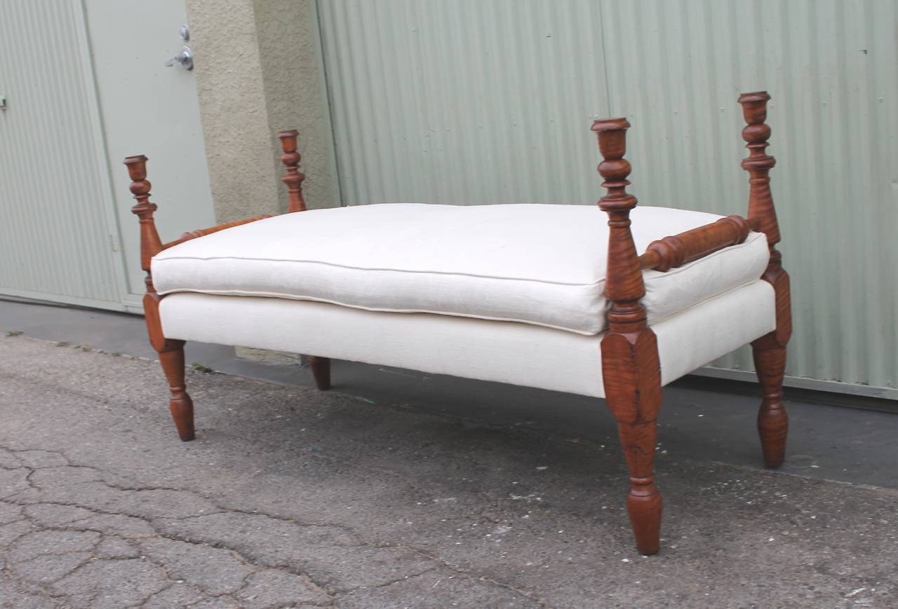 Early 19th Century Bird's-Eye Maple Daybed or Bench Upholstered in Linen 4