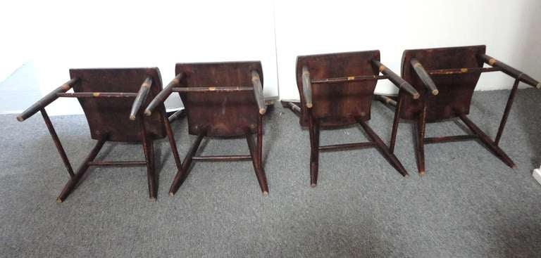 Fantastic 19thc Original Paint Decorated Chairs From Pennsylvania In Excellent Condition For Sale In Los Angeles, CA